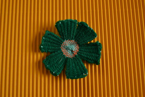 Zelená kytičková brož