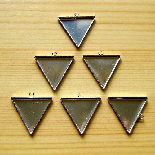 Lůžko trojúhelník 2,7 cm