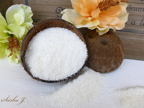 strouhaný kokos do mýdel