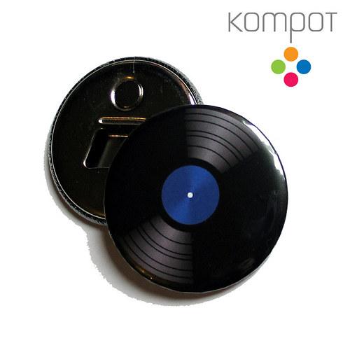 Otvírak s vinylem 2