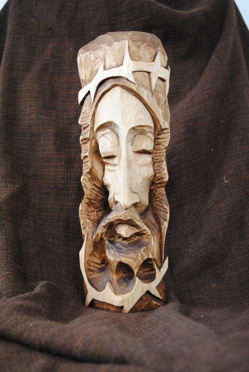 Ježíš Kristus, Vyřezávaná soška do dřeva