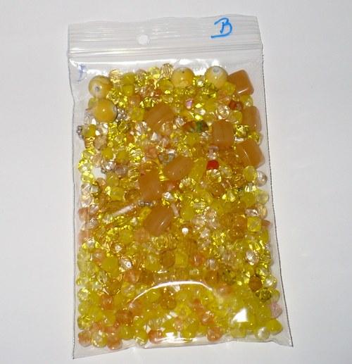 100g Směs korálků žluté barvy