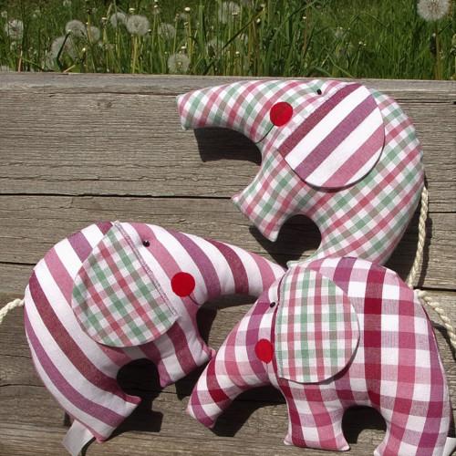 Růžoví sloníci