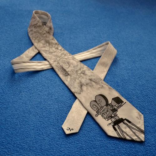 Hedvábná kravata s kamerou na přání