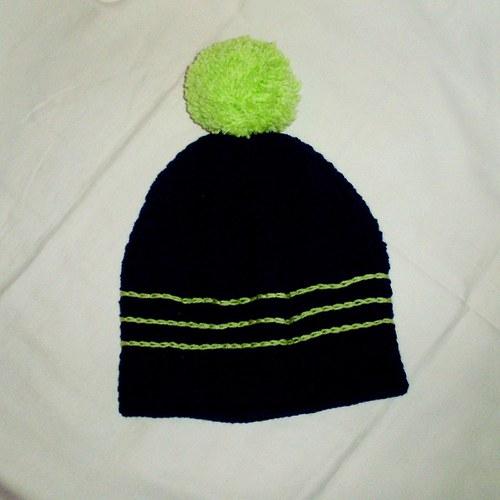 Modro-zelená háčkovaná čapka s bambulí