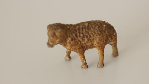 Starožitná hračka, hliněná zvířata mládě