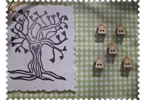 Dřevěný knoflíček - ptačí budka