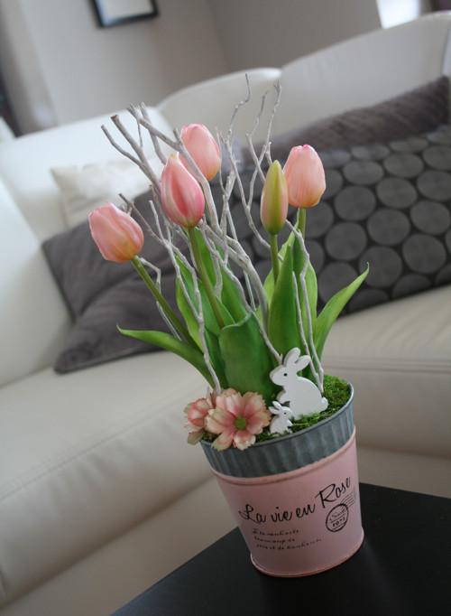 """Luxusní plecháček s \""""živými\"""" tulipány"""