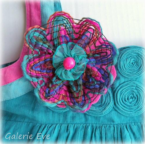 Květinka tyrkysovo-růžová