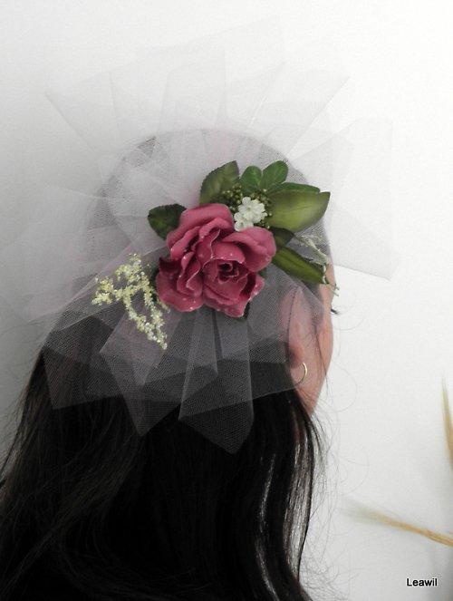 Pro odvážnou nevěstu bílofialová