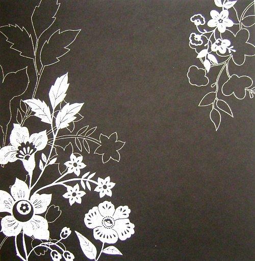 Black with Flowers_La Crèm