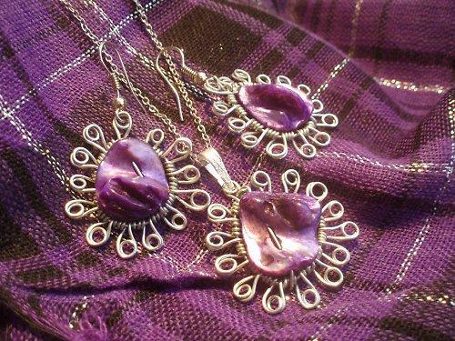 sada fialových perleťek