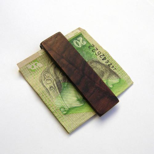 Spony na peniaze
