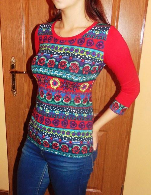 tričko pruhy s červenou