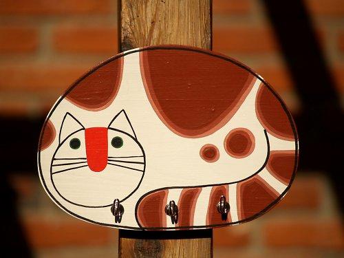 Věšák - kočka