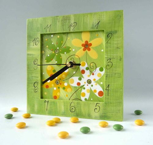 hodiny s kukačkou - zelené s květy