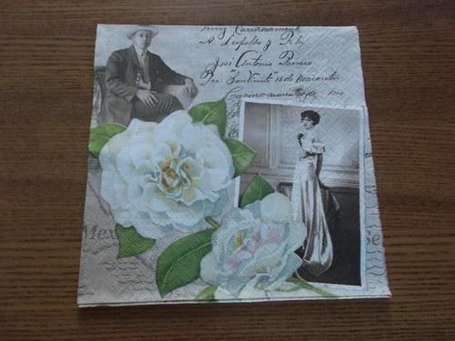 Ubrousek na decoupage - vintage s bílou květinou