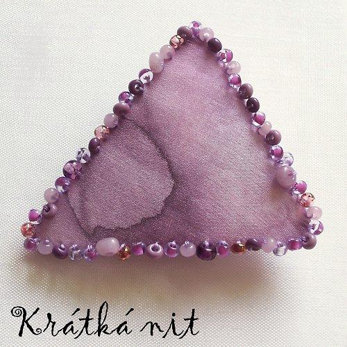 Hedvábný trojúhelník