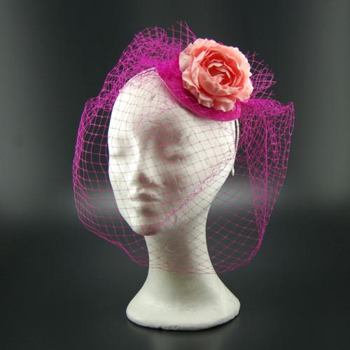 Peony svatební klobouk s francouzským závojem