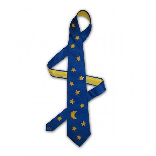 Tmavě modrá kravata s hvězdičkami