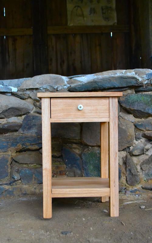 Noční stolek-dub
