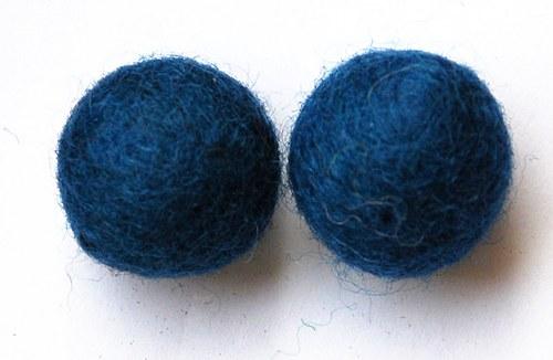 2 ks - plstěné kuličky modré 20mm