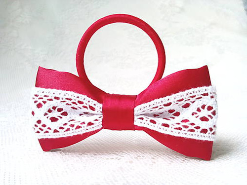 Folklore hair bow (red/white)