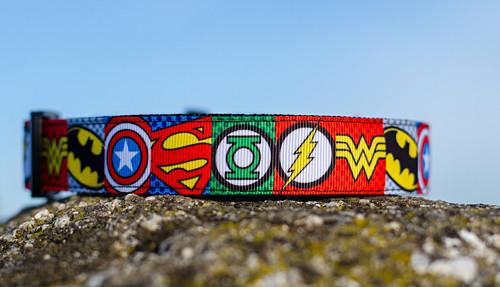Obojek superhrdinové (tečkované), 2,5 cm šíře
