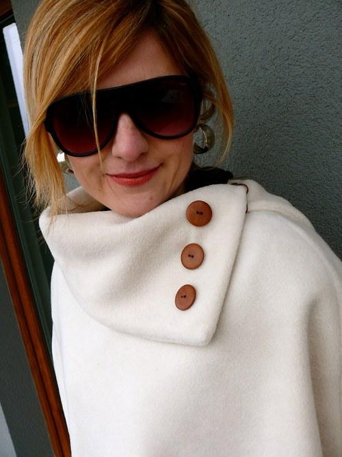Pončo-kabátek smetanový, ...kolekce Duhová