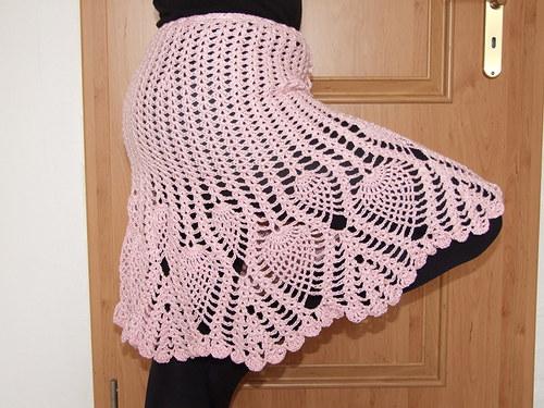 Dámská háčkovaná sukně