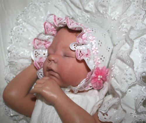 Krajková madeirová čepička pro panenku