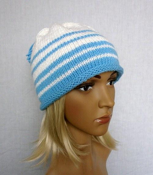 Bílo-modrá čepice se střapcy