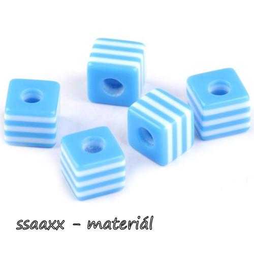 Plastový korálek ~ 9x10x10mm ~ 5 ks ~ sv. modrý