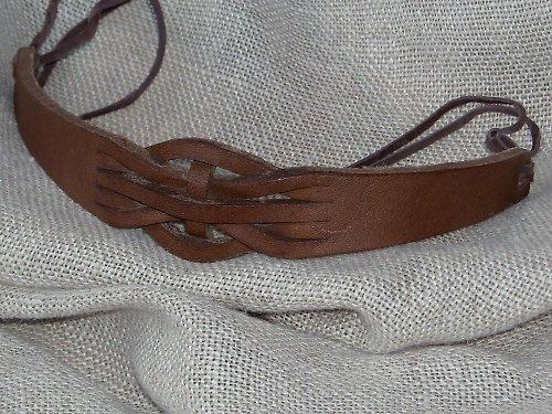 Náramek kožený proplétaný H