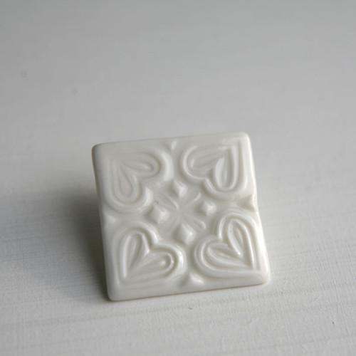 Alba... celá bílá  (porcelánová brož)