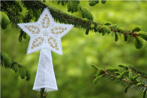 Vánoční hvězda - na špici stromečku