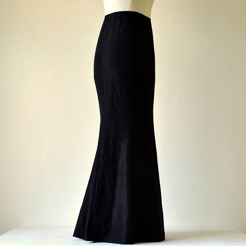 Černá taftová sukně (sleva z 1177,-Kč)
