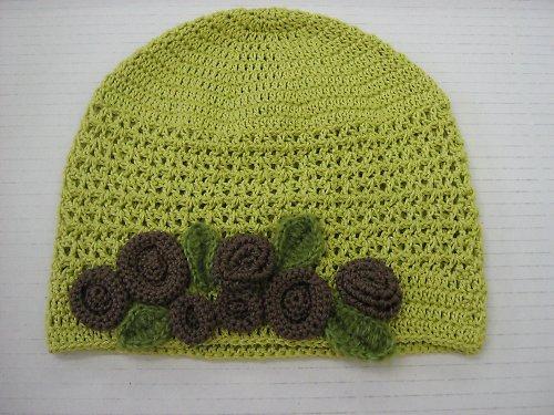 Zelená háčkovaná čepice