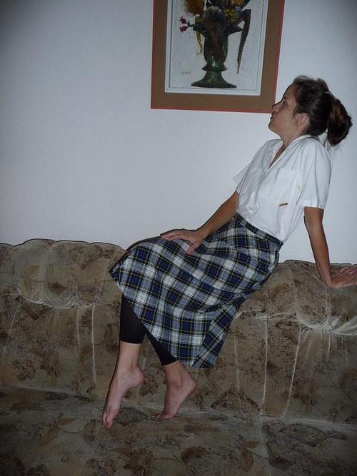 Kostkovaná sukně pro neodvážné školačky