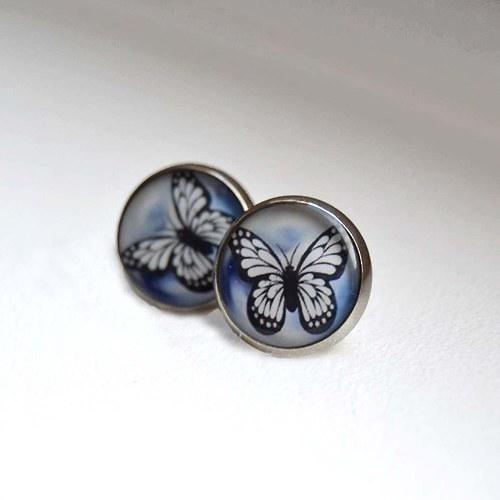 Pecky s motýlkem