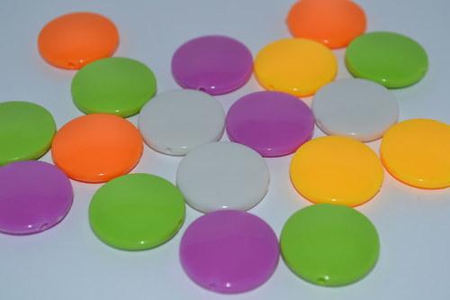 barevné korálky 10 ks