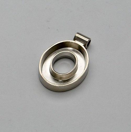 Kovový základ na přívěsek otevřený ovál / stříbrný