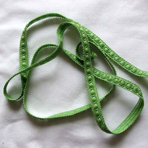 Stužka zelenkavá