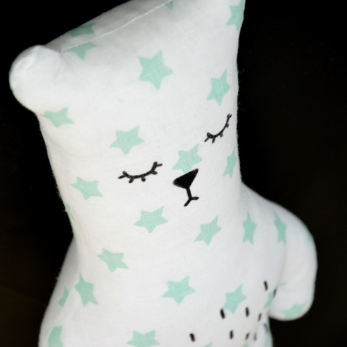 Bubu Bear mint stars on white