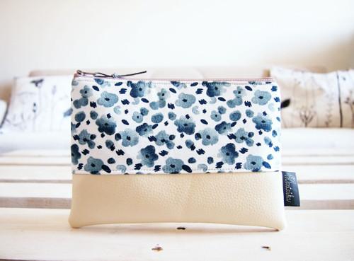 Kozmetická taška veľká - modré minimal kvety