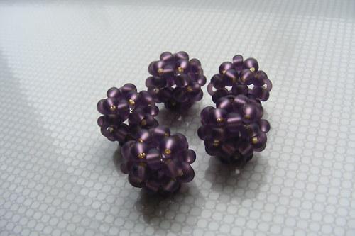 Šité kuličky - zamrzlé fialky