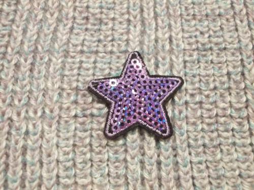 Nažehlovačka hvězda s flitry fialová
