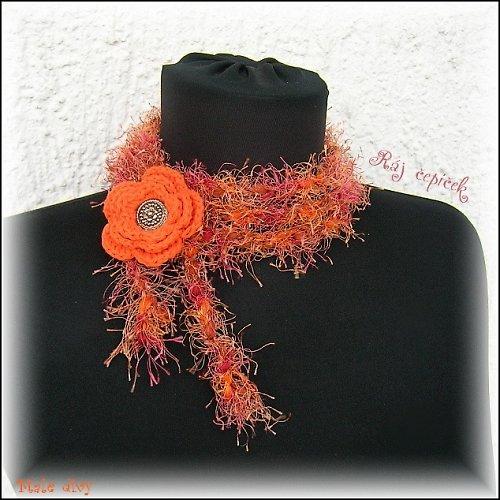 Ověs kolem krku, pasu..... ozdobné laso s květe