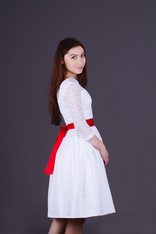 Krajkové šaty ala 50.léta