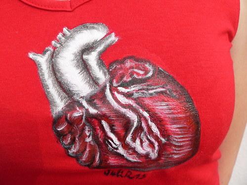 Dámské triko s realistickým srdcem - AKCE!!! 25 %